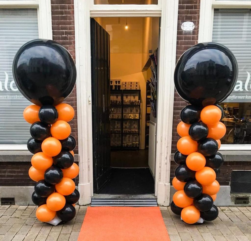 ballonnenpilaar zwart oranje